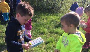 Otroci iz oddelka Kamencki, enote Studeno so raziskovali v bliznji okolici 07