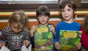 Zupan razdelil knjigo Zacarani gozd – v tednu otroka 13