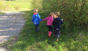 Otroci iz oddelka Kamencki, enote Studeno so raziskovali v bliznji okolici 12