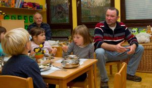 Tradicionalni slovenski zajtrk v oddelku Žoge enote Pastirček 13