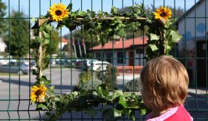 Zelena okna v Postojni (turistična akcija) 02