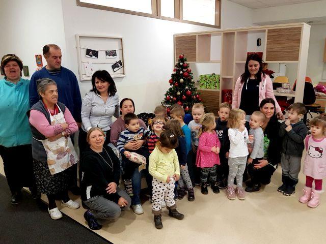 Marjetice so obiskale Varstveno delovni center – VDC Postojna